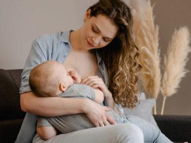 完母ママが徹底解説!母乳育児のメリット・デメリット・活躍アイテムなど